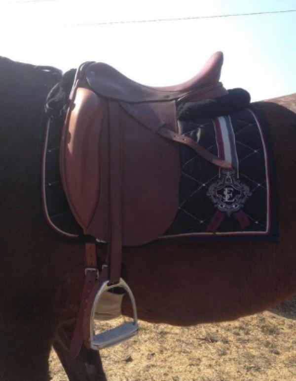 Седло Диамант с наружными упорами купить в интернет магазине конной амуниции